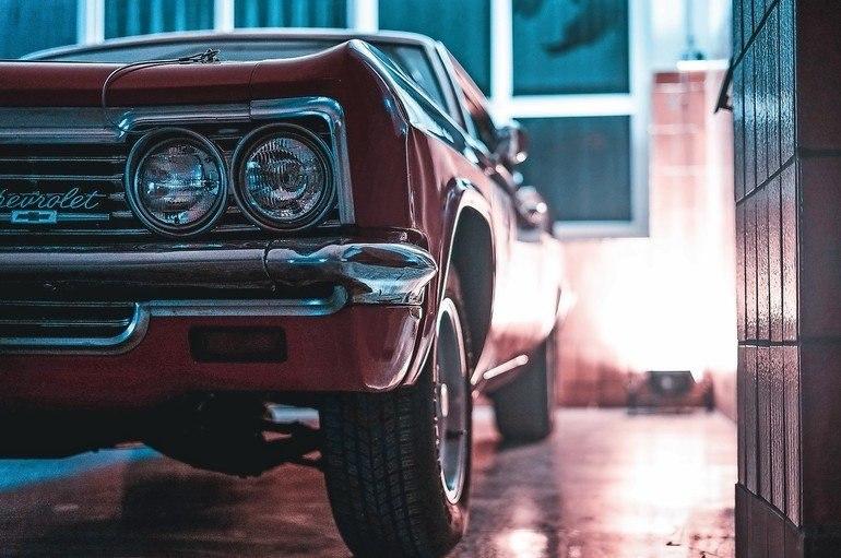 """Beachtlich ist die Sammlung an hochwertig restaurierten US-Fahrzeugen im """"Oldtimer Hotel Saalfeld"""". Die sind nicht nur in erstklassigem Zustand, sondern auch alle fahrbereit."""