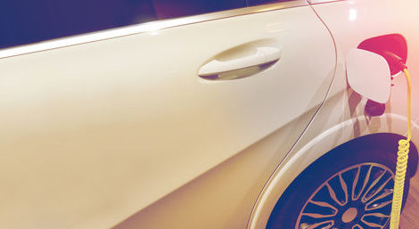 Elektromobilität: AkzoNobel liefert Know-how und Werkzeug