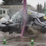 DEKRA crasht Elektrofahrzeuge massiv. Ergebnis: Sehr sicher